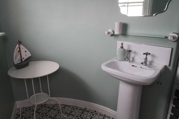 rooftops-bathroom